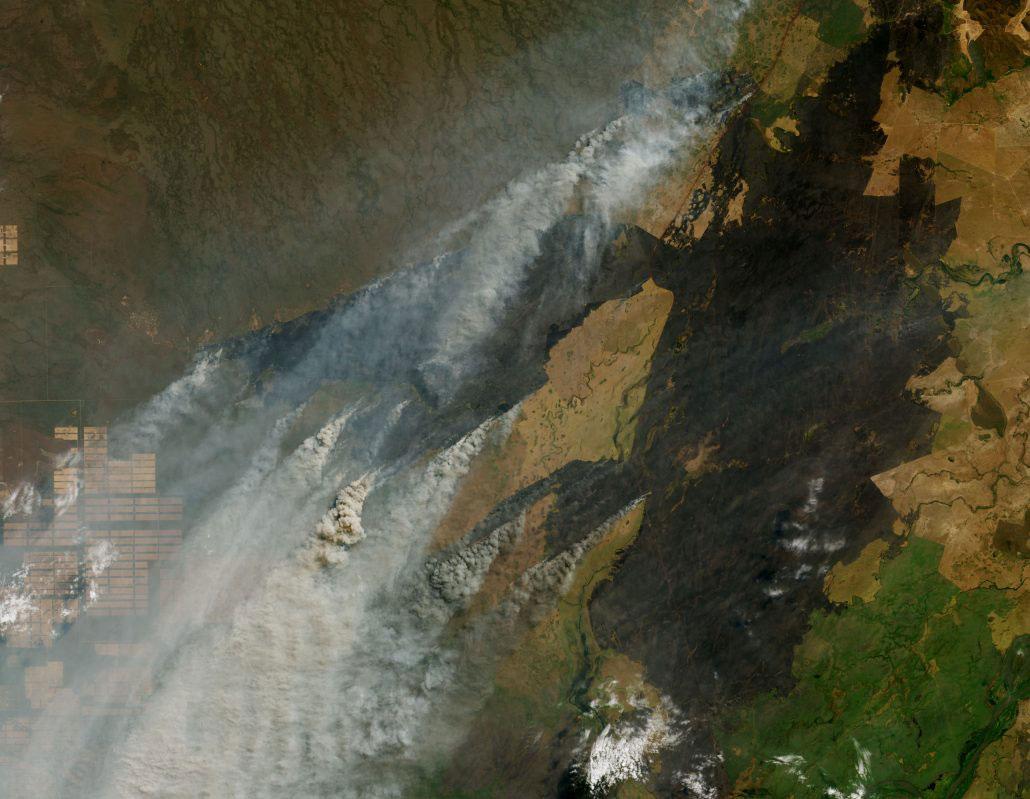 Incendios en la frontera entre Brasil, Bolivia y Paraguay. (Imagen: NASA Earth Observatory)